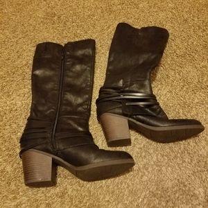 Black Boots Size 7.5 Fergie